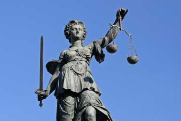Lady-Justice-statue