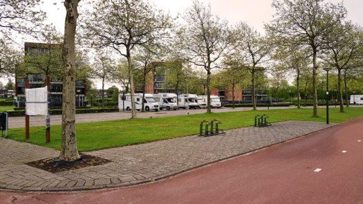 Campers aan de Bergse Plaat  te Bergen op Zoom, hier mag gratis overnacht worden anno 2018