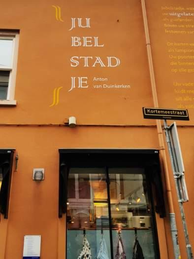 """,,Jubelstadje"""", Anton van Duinkerken, Kortemeestraat, 't vierkantje, Bergen op Zoom"""